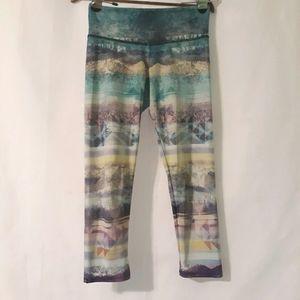 Onzie mountain scape leggings